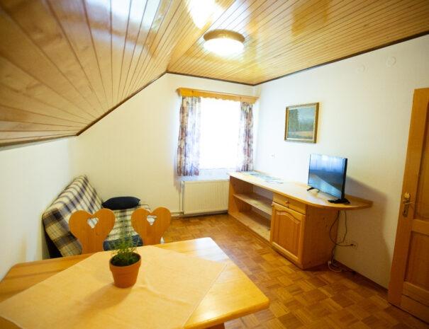 06 Apartment